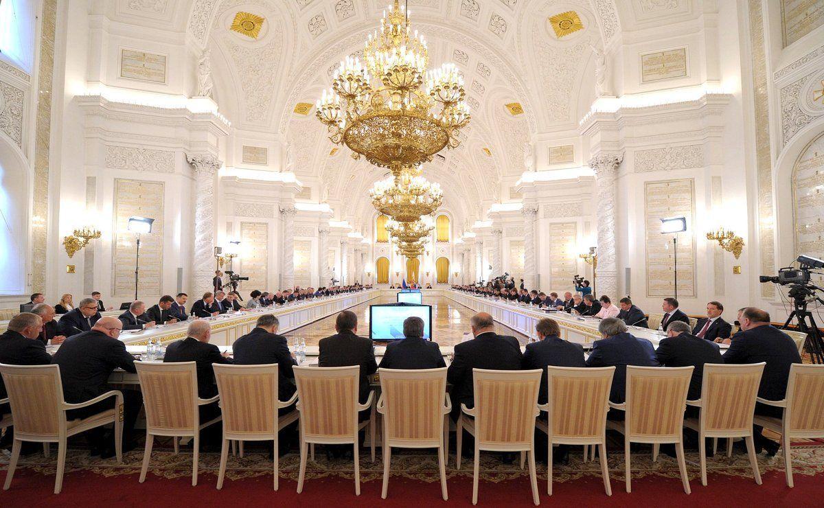 Идёт смотр управленческих элит России