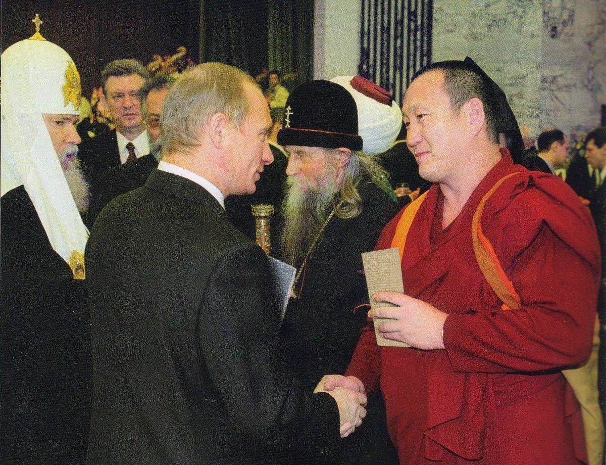 Как Хамбо лама и Владимир Путин встретили Новый год в Чечне