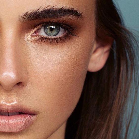 Как краситься в жару: секреты летнего макияжа