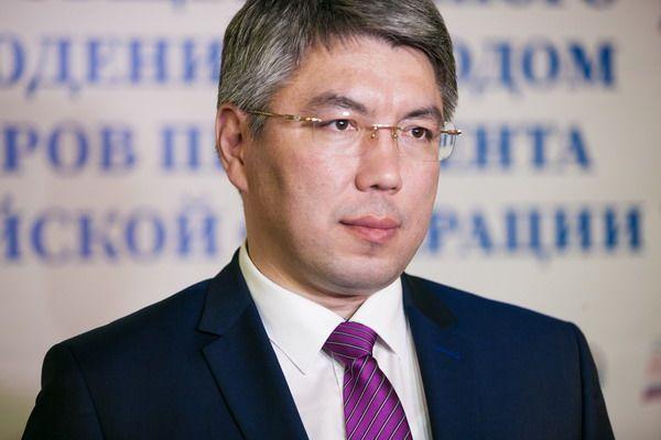 Глава Бурятии встретился с лидерами партий, представленных в Народном Хурале