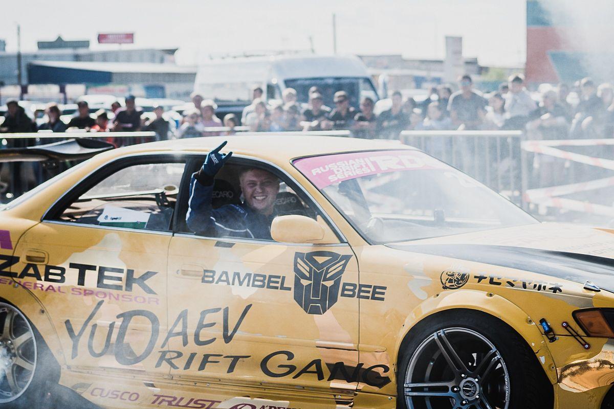Автомобилисты Бурятии устроили зрелищные гонки. Фоторепортаж
