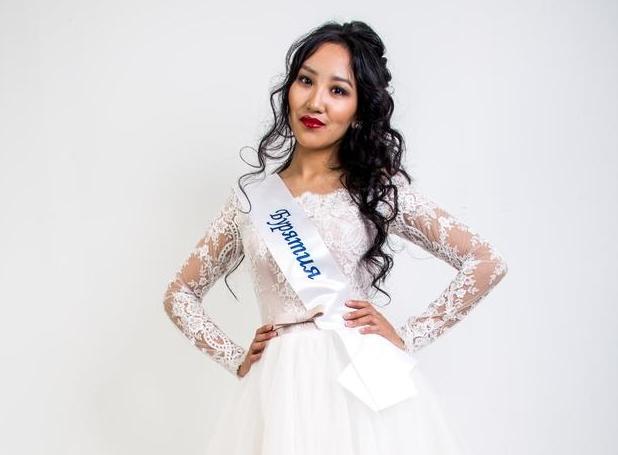 Девушка из Бурятии принимает участие в конкурсе красоты «Мисс Азия СПб-2018»