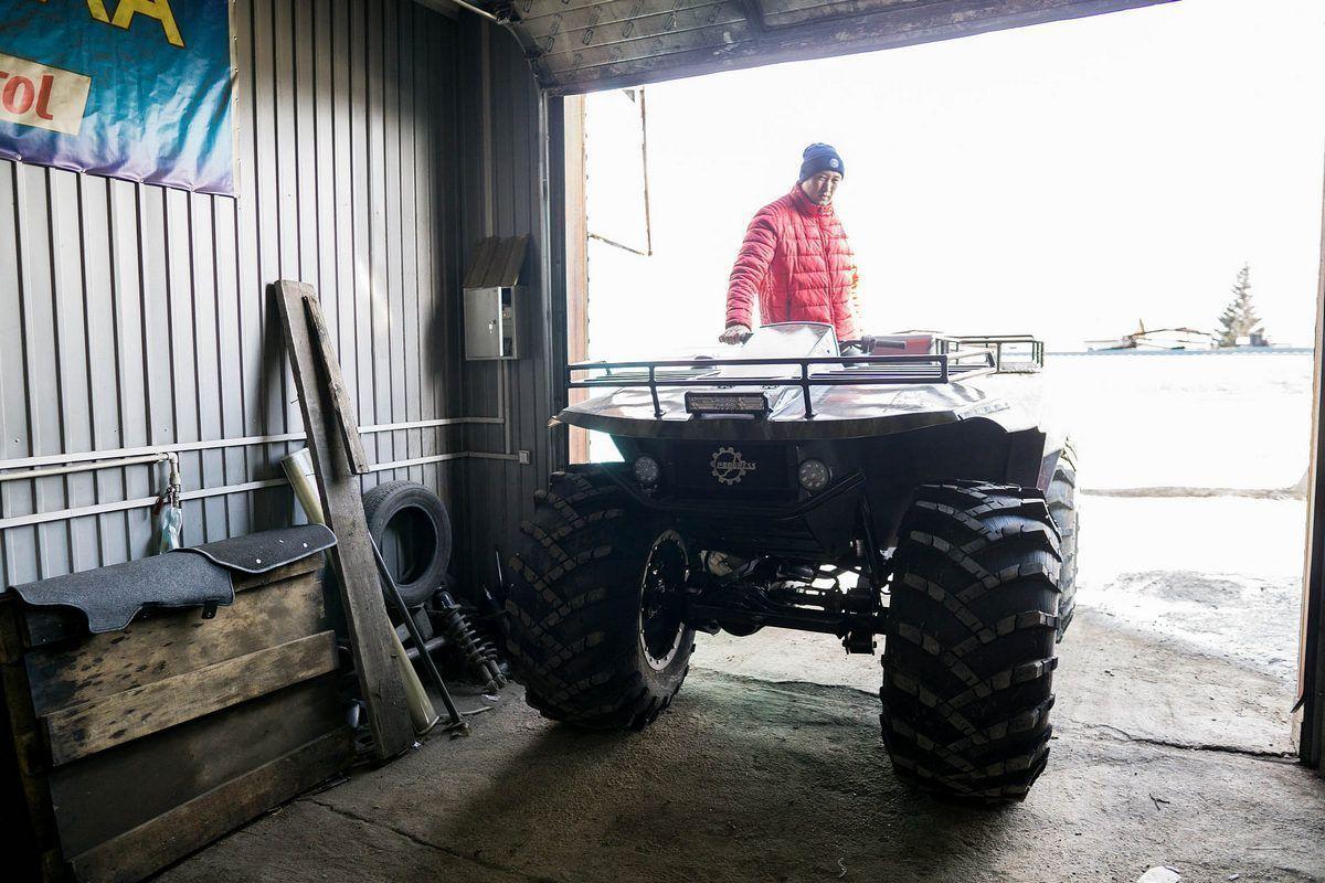Мастера из Бурятии своими руками собирают уникальные снегоболотоходы (фото, видео)