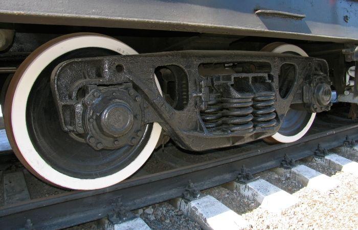 В Улан-Удэ подросток лишился ног, попав под поезд