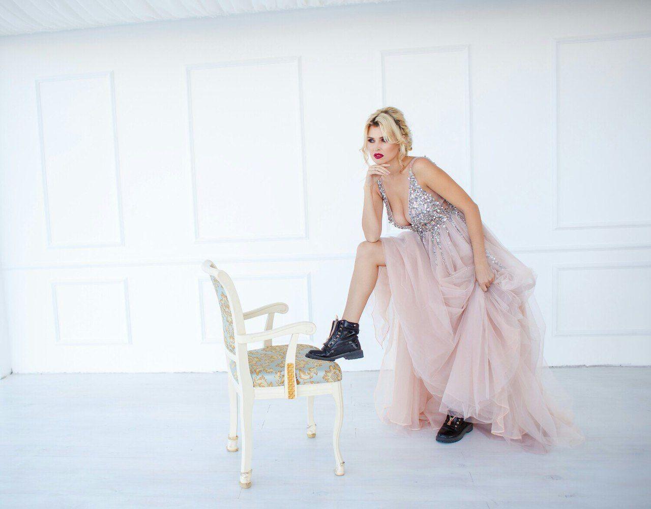 Фото красоток в шикарных платьях — photo 10
