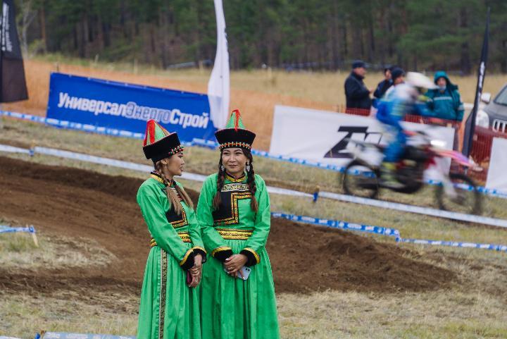 Мотогонщики России соревнуются в Бурятии (фото)