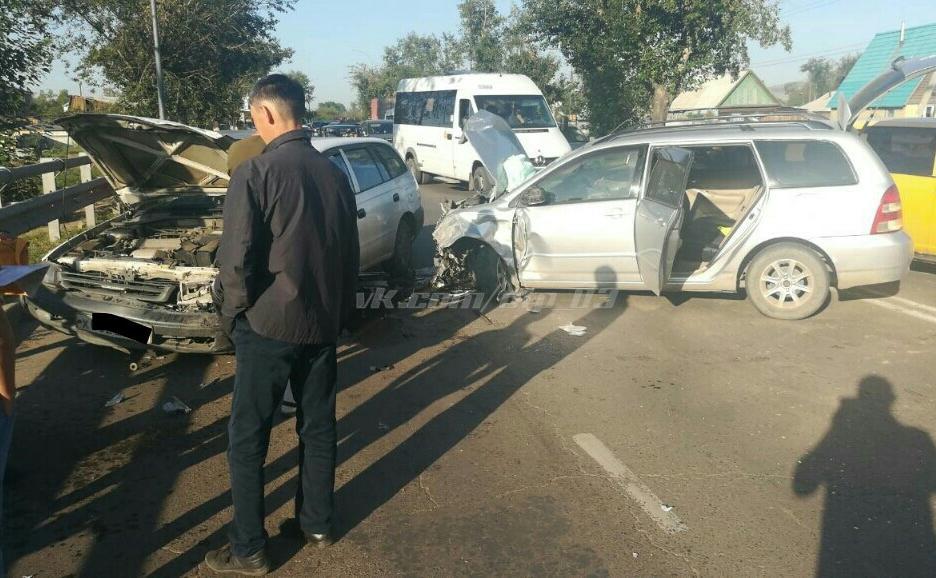 Пять человек доставлены в больницу в результате крупного ДТП в Улан-Удэ