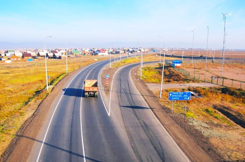 Дорожники отремонтировали пять километров трассы «Байкал»