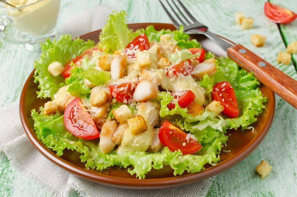 цезарь салат рецепт классический с сухариками фото абхазии