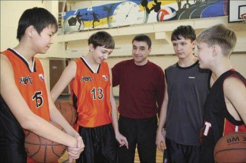 8dc57828 Братья Оканины хорошо известны в спортивном мире как тренеры баскетбольных  команд юношей разных возрастных групп. Откуда же у них такой уникальный ...