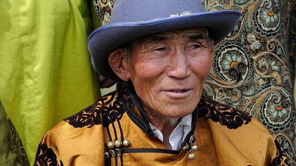 Президент Монголии Халтмаагийн Баттулга решил сделать щедрый.